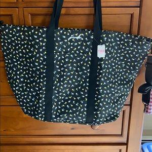 NWT.. VS PINK large floral weekend bag